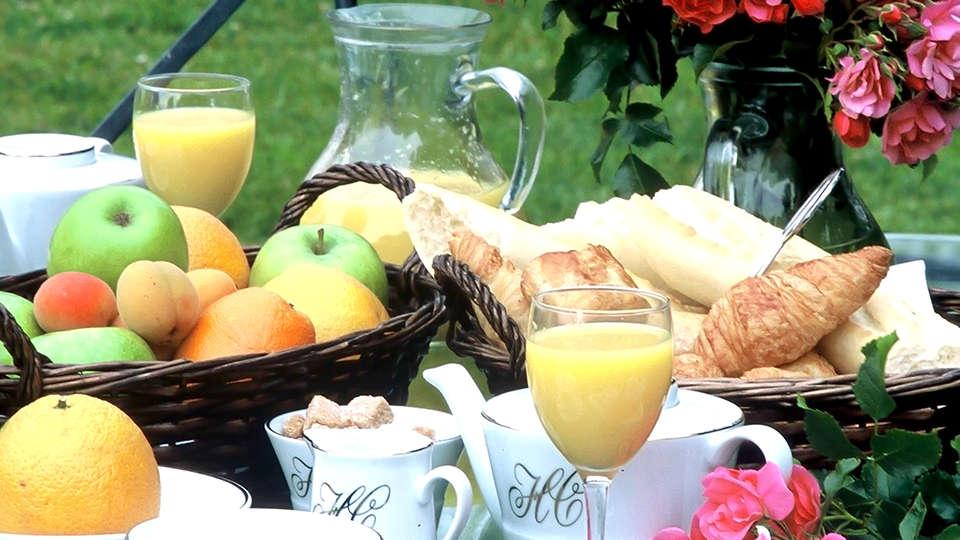 Najeti Hôtel Château Cléry - Edit_Breakfast.jpg