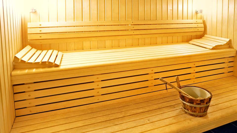 Najeti Hôtel Château Cléry - Edit_sauna.jpg