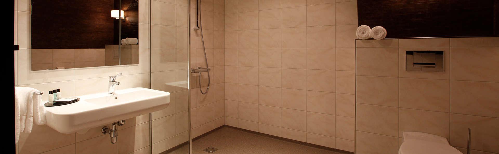 De Arendshoeve - Hotel & Restaurant - Edit_Bathroom2.jpg