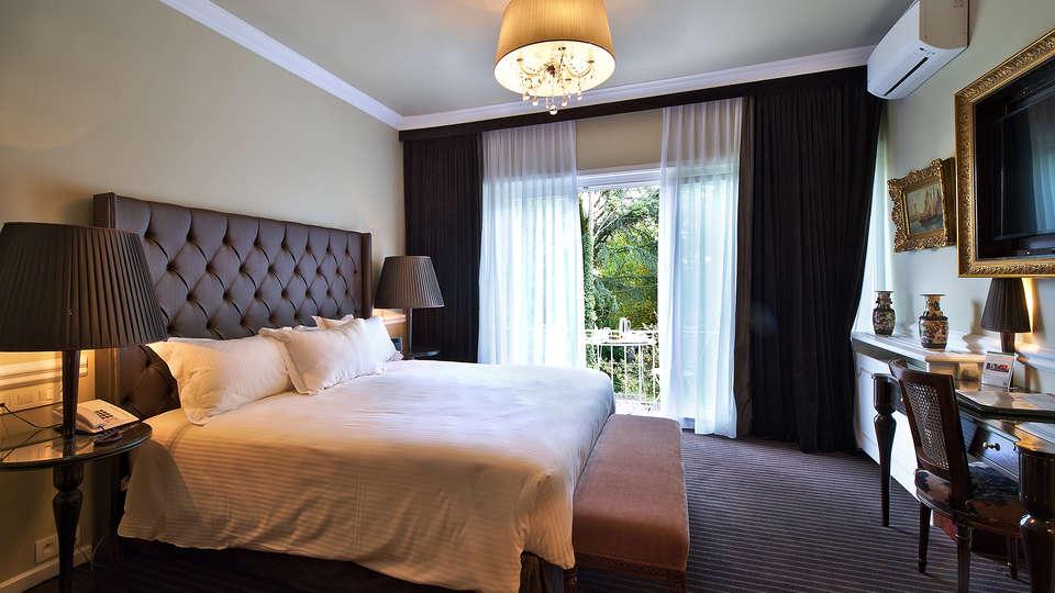 Hotel Manos Premier - EDIT_deluxe.jpg