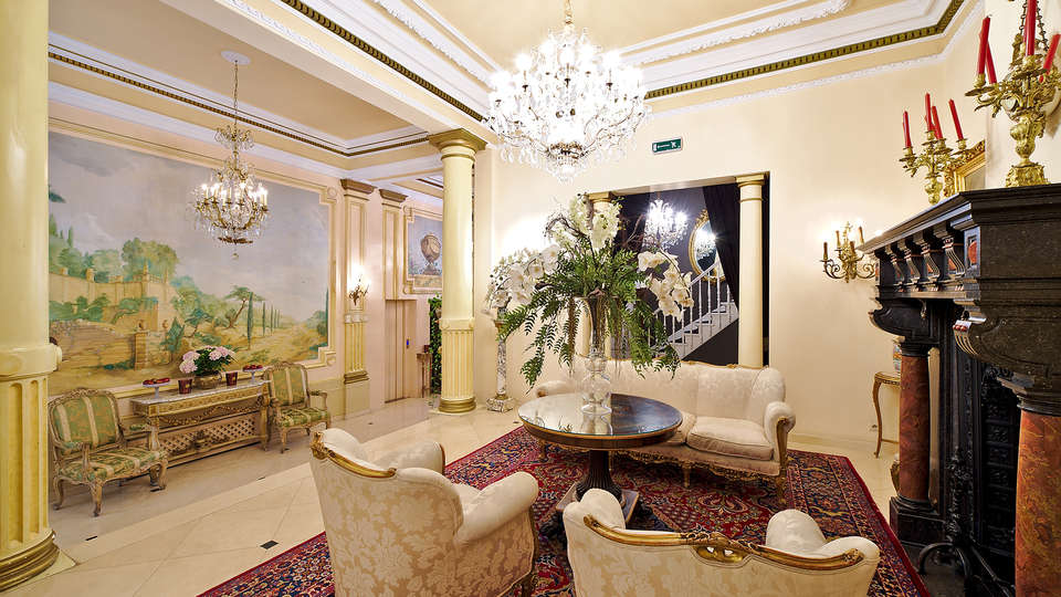 Hotel Manos Premier - EDIT_reception.jpg