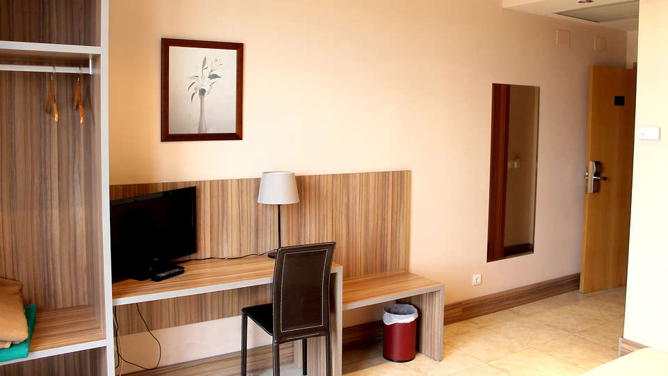 Hotel Camino Real - Edit_Room2.jpg