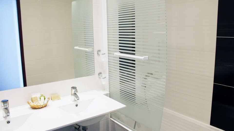 Relais Du Silence Hotel Ker Moor Préférence - EDIT_bath2.jpg