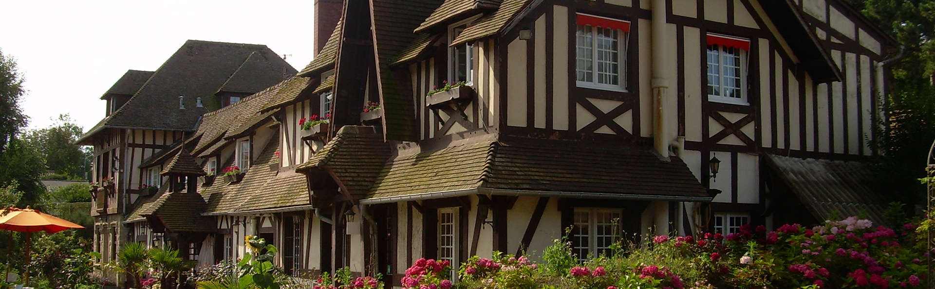 Hostellerie de la Vieille Ferme - edit_front1.jpg
