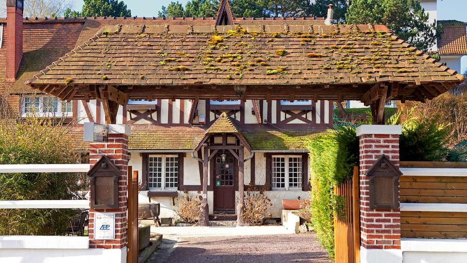 Hostellerie de la Vieille Ferme - edit_front2.jpg
