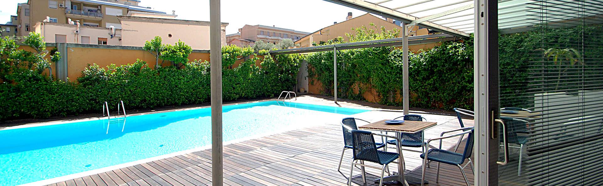 Hotel Mistral 2 - Edit_Pool2.jpg