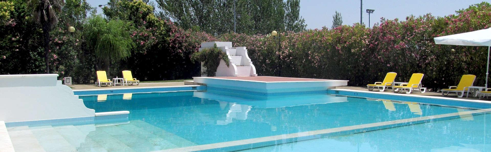 SL Hotel Santa Luzia - Elvas - Edit_Pool2.jpg