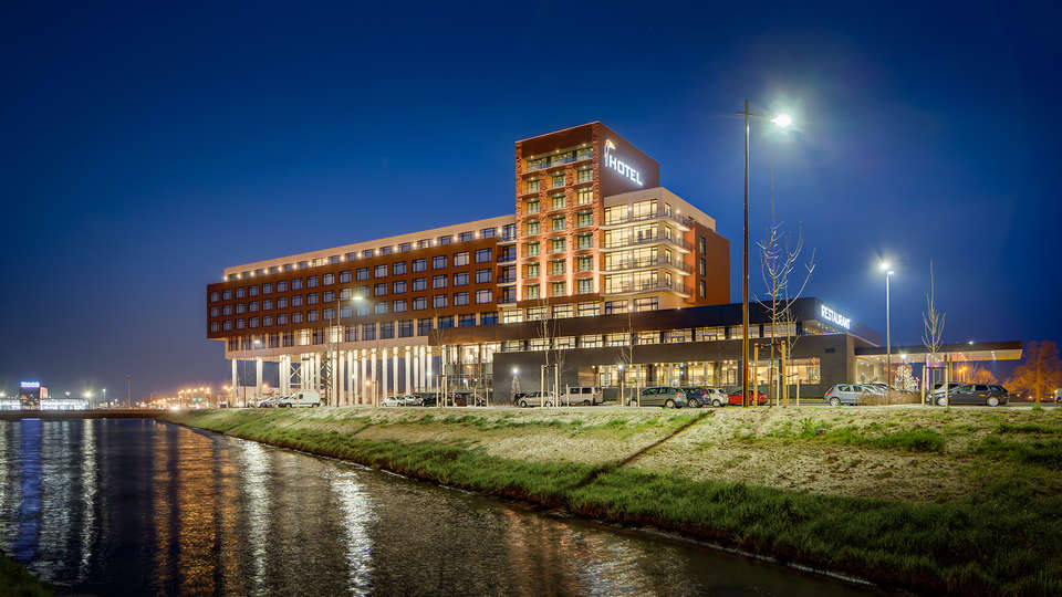 Van der Valk Hotel Zwolle - Edit_Front2.jpg