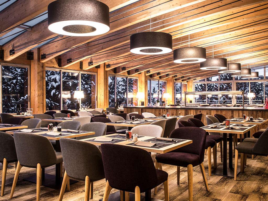 Séjour Ski Alpes - Week-end en famille avec dîner, au coeur de l'Alpe d'Huez  - 4*