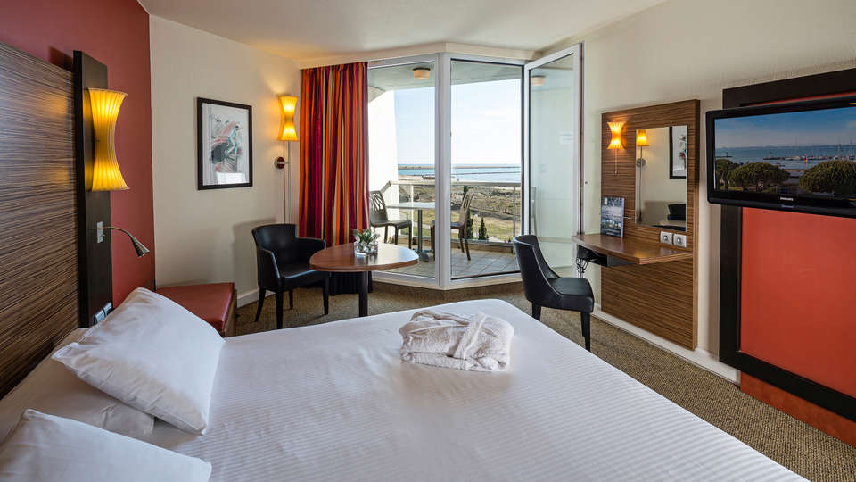 Hôtel les bains de Camargue & Spa by Thalazur - EDIT_room.jpg