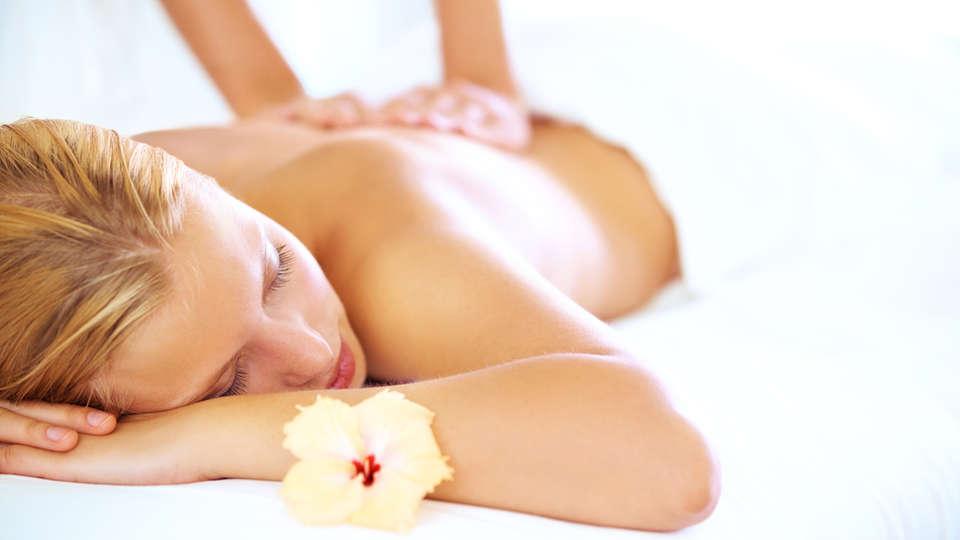 Hôtel Mar I Cel & Spa - EDIT_massage.jpg