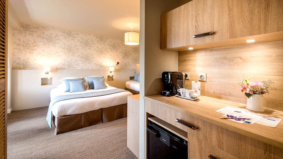 Villa Odette - Edit_Room6.jpg