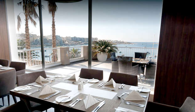 Goditi il lusso e le delizie culinarie di Malta con la mezza pensione