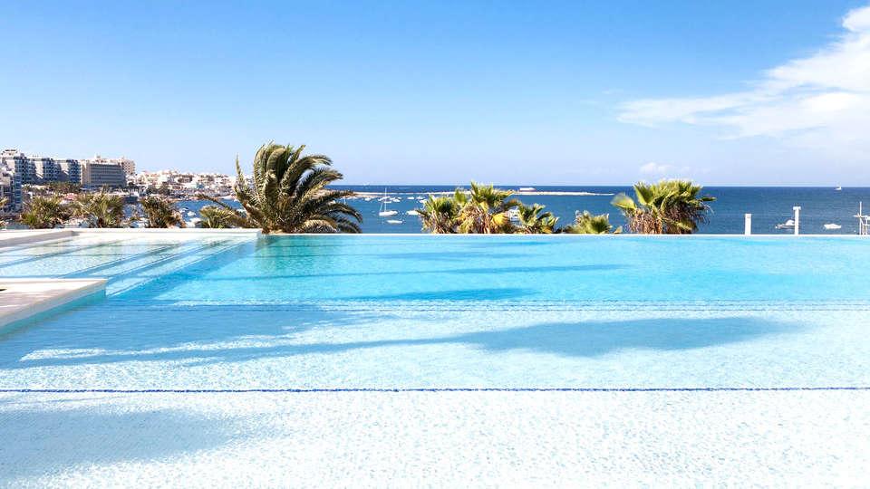 Salini Resort - Edit_Pool3.jpg