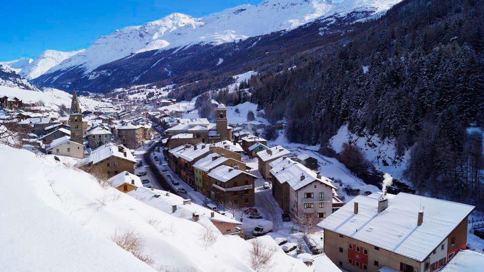 Hôtel Saint Charles Val Cenis - EDIT_destination4.jpg
