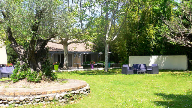 Escapade avec massage & accès privatif au spa, aux portes de la Provence !