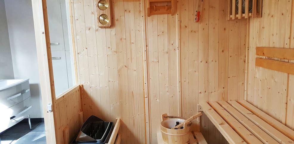 h tel les oliviers 3 loriol sur dr me france. Black Bedroom Furniture Sets. Home Design Ideas