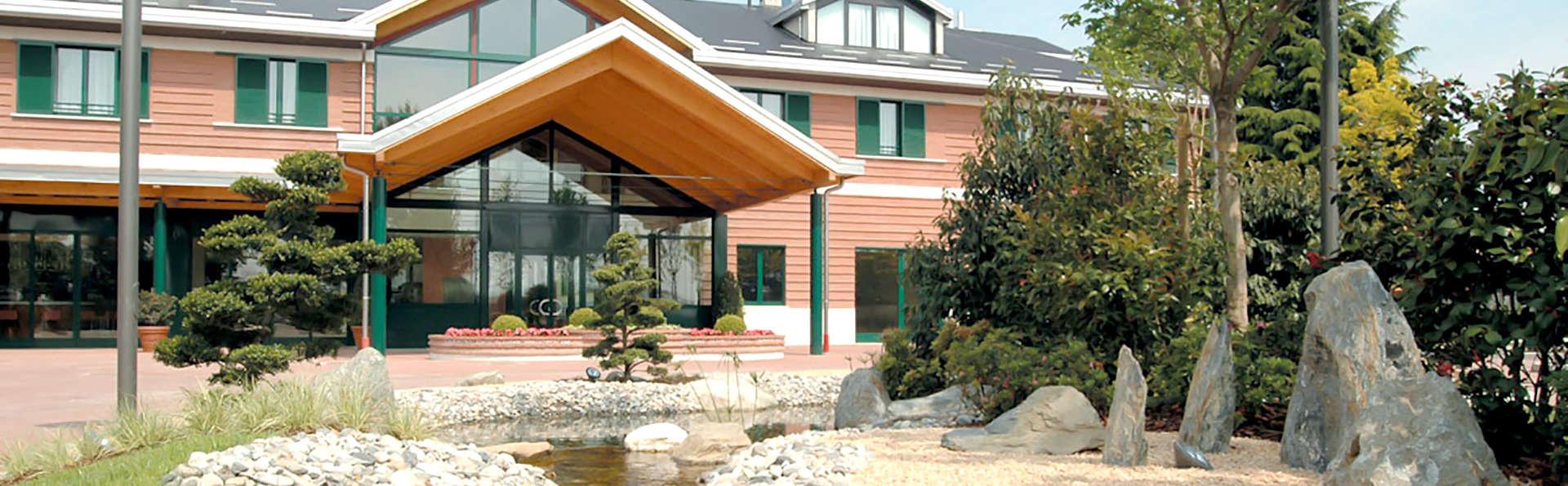 Monica Hotel Fiera - Edit_Front4.jpg