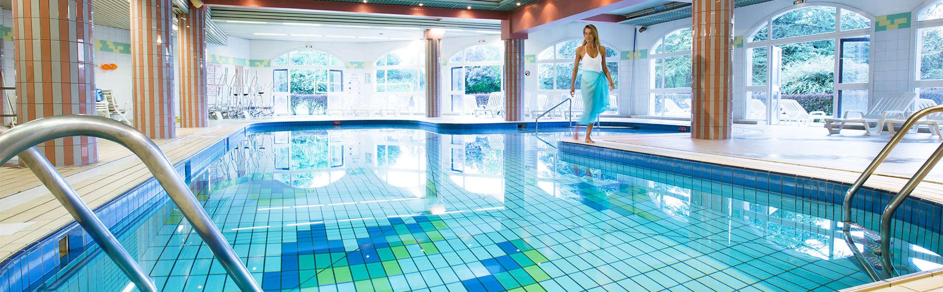 Hôtel Vacances Bleues Villa Marlioz - EDIT_pool2.jpg