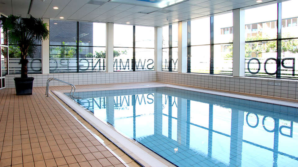 Best Western Amsterdam Airport Hotel - Edit_Pool.jpg