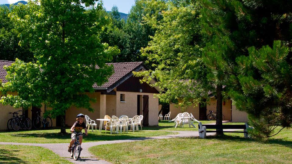 Ternélia - Village Vacances Le Pré du Lac d'Annecy - EDIT_exterior.jpg