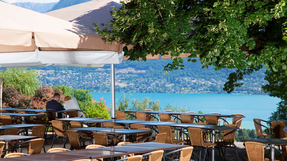 Village Club - NEACLUB Les Balcons du Lac d'Annecy - EDIT_Terrace.jpg
