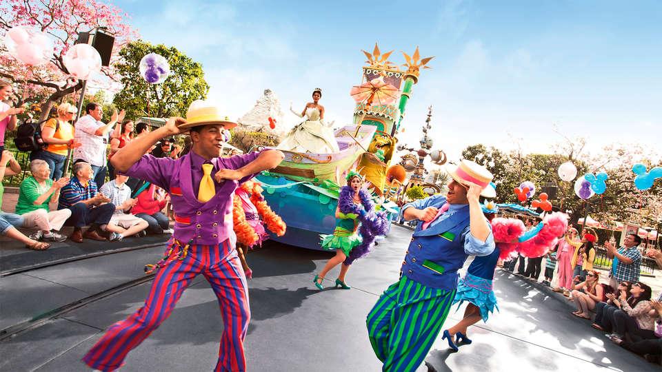 L'Elysée Val d'Europe Disneyland® Paris - EDIT_disney2.jpg