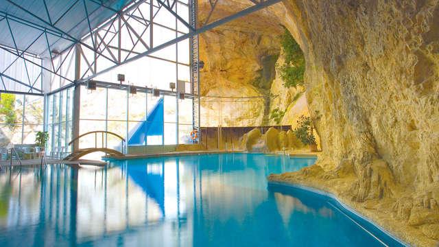 Escapada Relax: una cena, Cueva Terma Activa y cóctel en Jaraba (desde 2 noches)