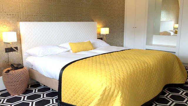 Romantiek met Hydromassagebad op de kamer in Voorschoten