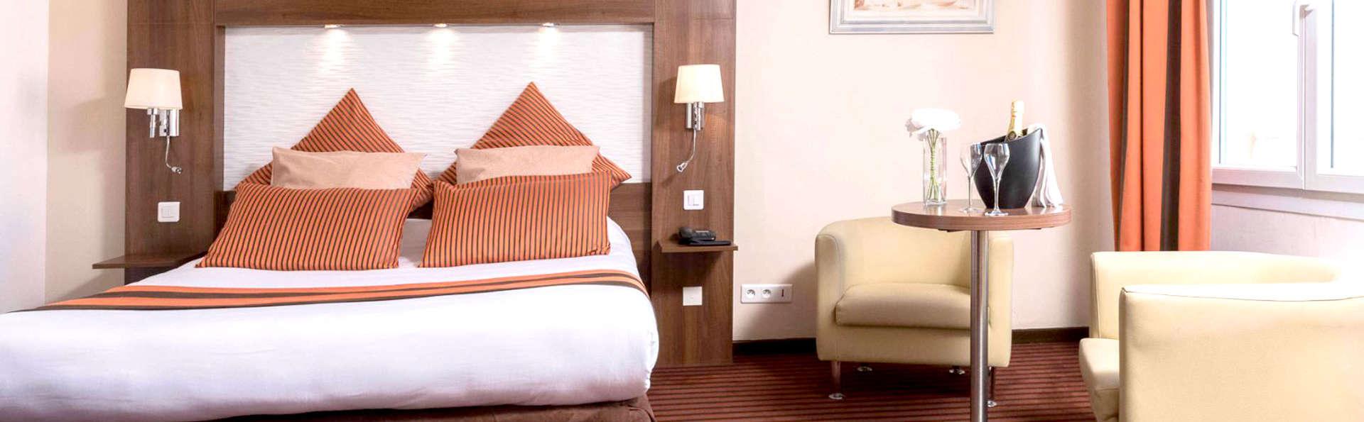 Hôtel Regina and Spa - EDIT_ROOM5.jpg