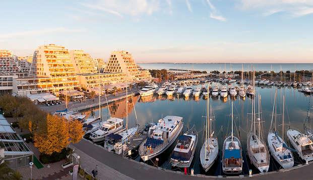 Week-end romantique avec champagne de bienvenue en chambre  face  à la mer à la Grande Motte