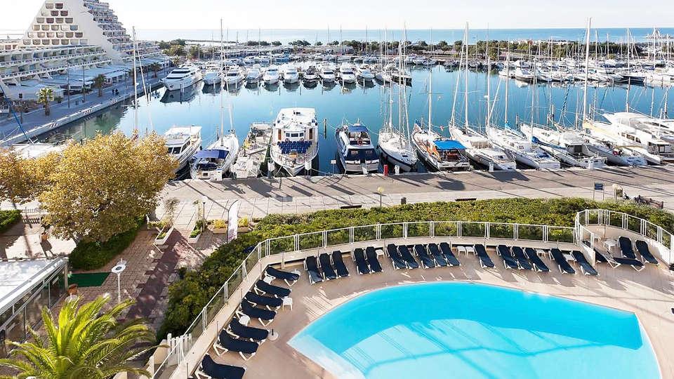 Mercure La Grande Motte Port - EDIT_pool2.jpg
