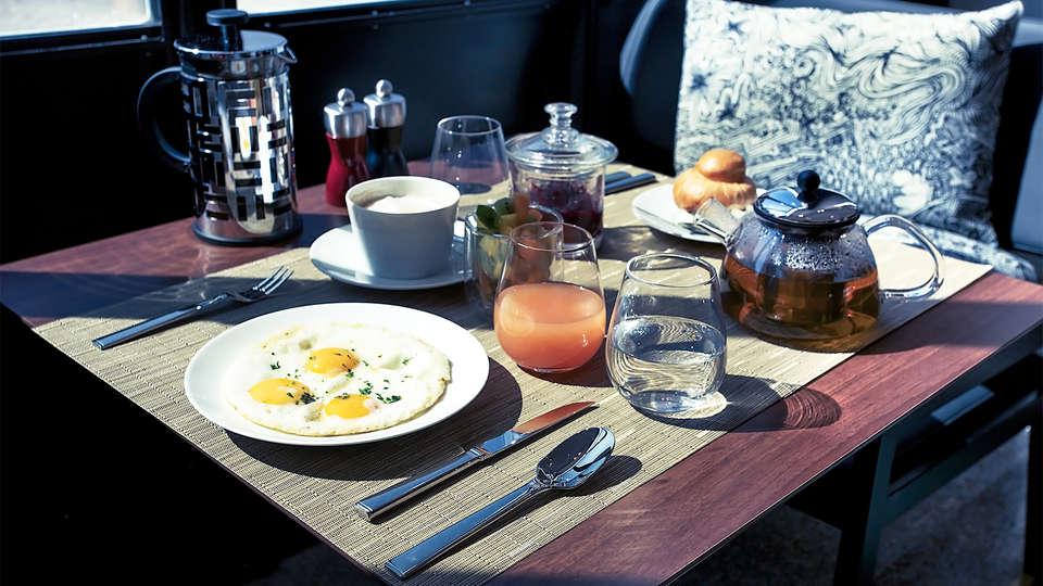 Hotel Molitor Paris - MGallery - EDIT_breakfast.jpg