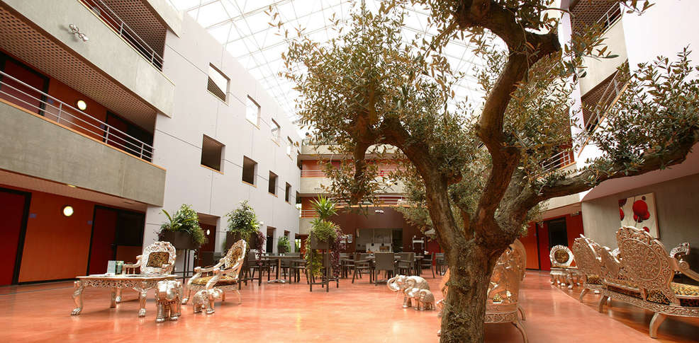 Olivarius apart 39 h tel 3 villeneuve d 39 ascq france for Apart hotel bretagne