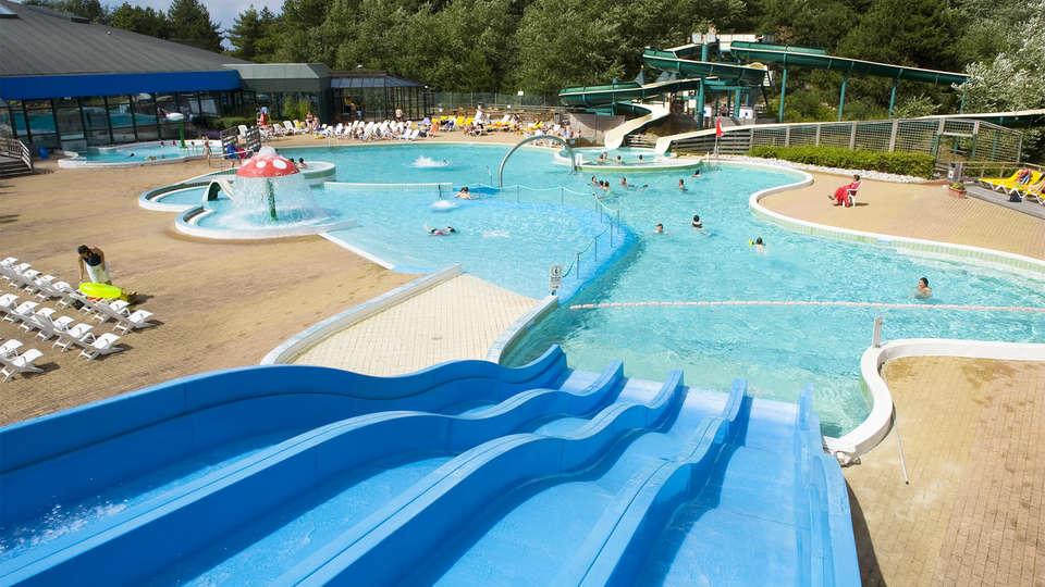 Pierre et Vacances Village Belle Dune - EDIT_pool.jpg