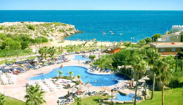 Sol, playa y diversión en familia con dos niños incluidos en media pensión en L'Ametlla