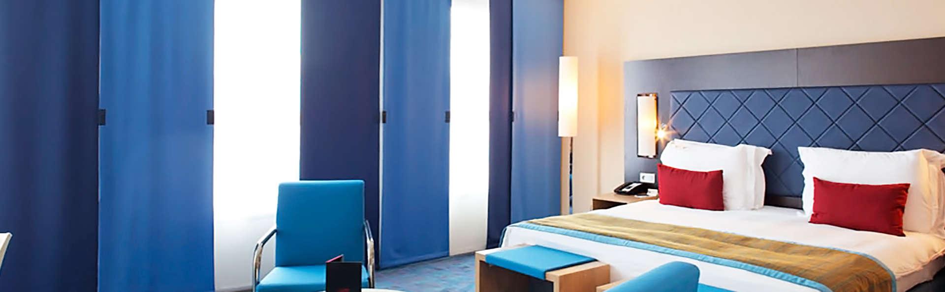 week end avec d ner blagnac avec 1 acc s au spa pour 2 adultes partir de 209. Black Bedroom Furniture Sets. Home Design Ideas