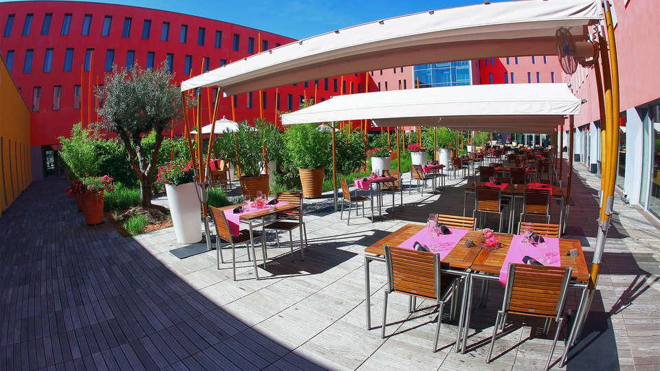 Radisson Blu Toulouse Airport - EDIT_rest4.jpg