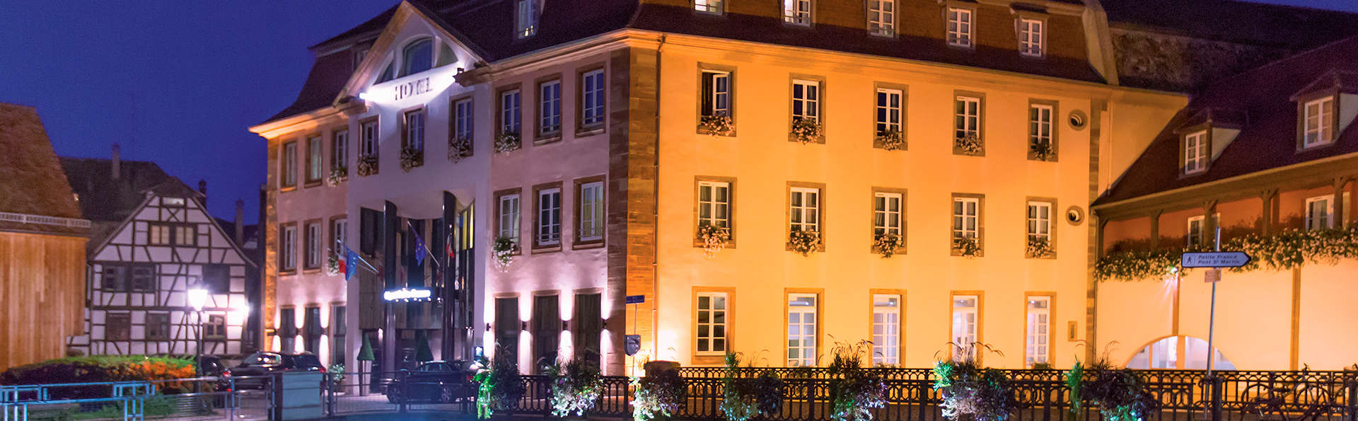 Régent Petite France & Spa - edit_Facade_avant_1_nuit_ZVADRON_Frantisek.jpg