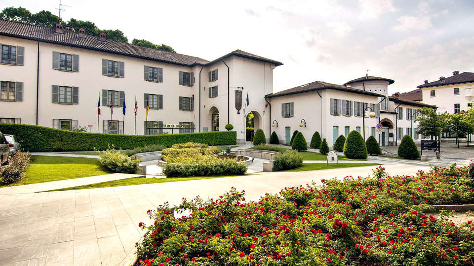 IH Hotels Milano Parco Borromeo Cesano Maderno - Edit_Front.jpg