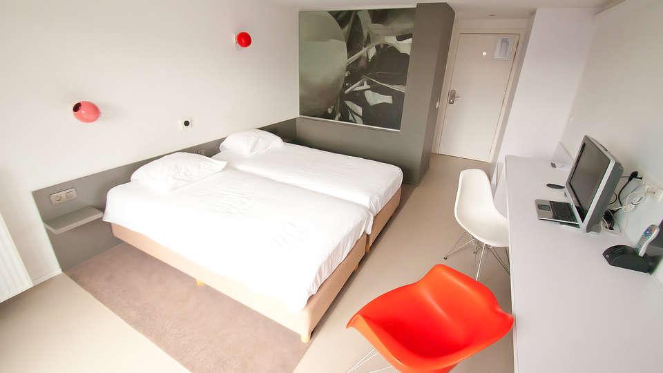 Appart Hotel Corbie Geel - EDIT_Room.jpg