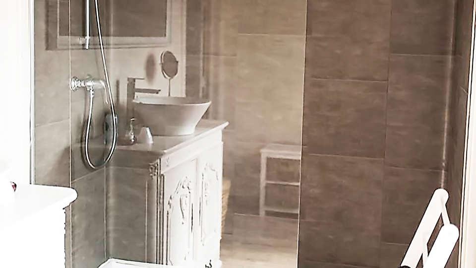 B&B A Dream - EDIT_bath3.jpg
