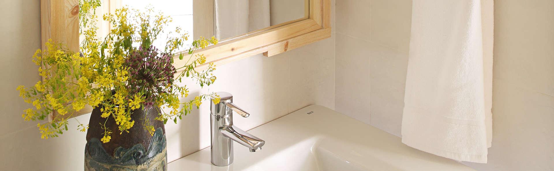 Artesa Suites & Spa (Adults Only) - Edit_Bathroom3.jpg