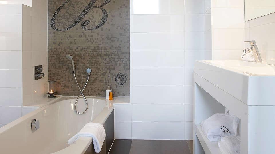 B&B Baron's House Neerijse-Leuven - EDIT_bath1.jpg
