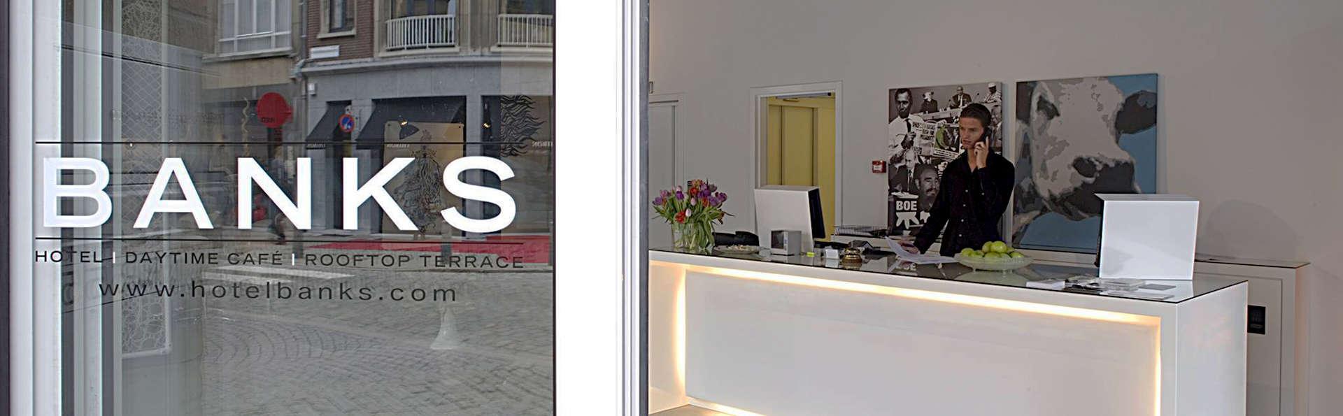 Banks - EDIT_Reception1.jpg