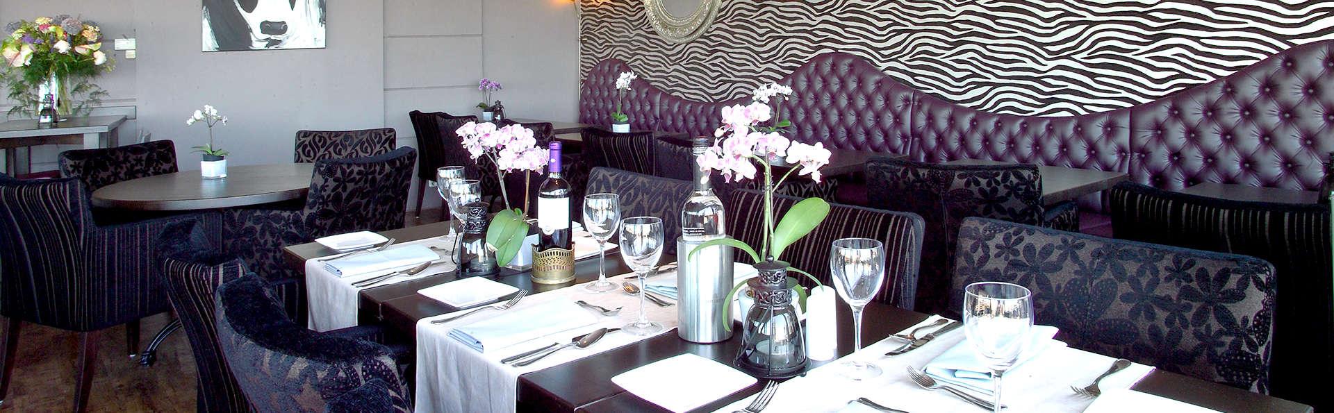 Logis Hotel Restaurant Zeezicht - Edit_Restaurant.jpg
