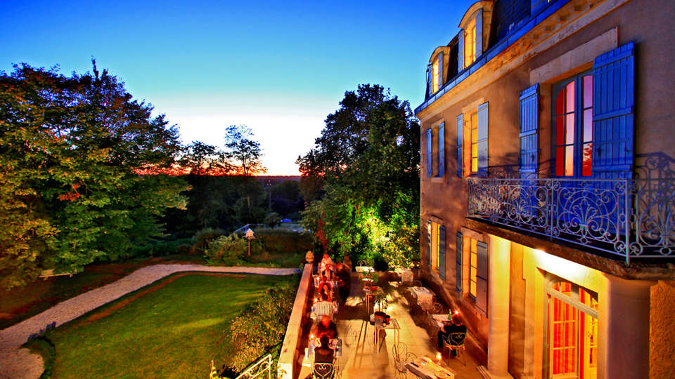 Château Bellevue  - EDIT_terrace1.jpg