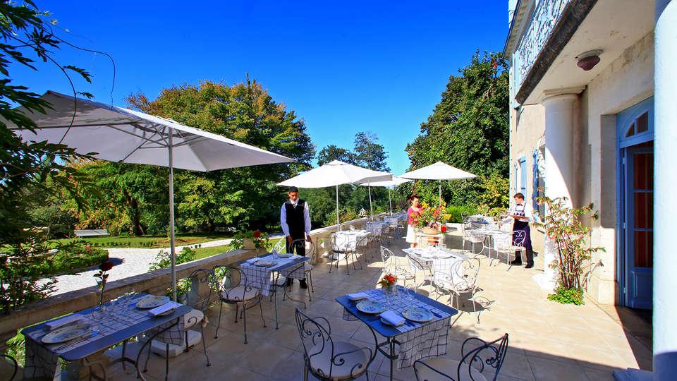 Château Bellevue  - EDIT_terrace.jpg