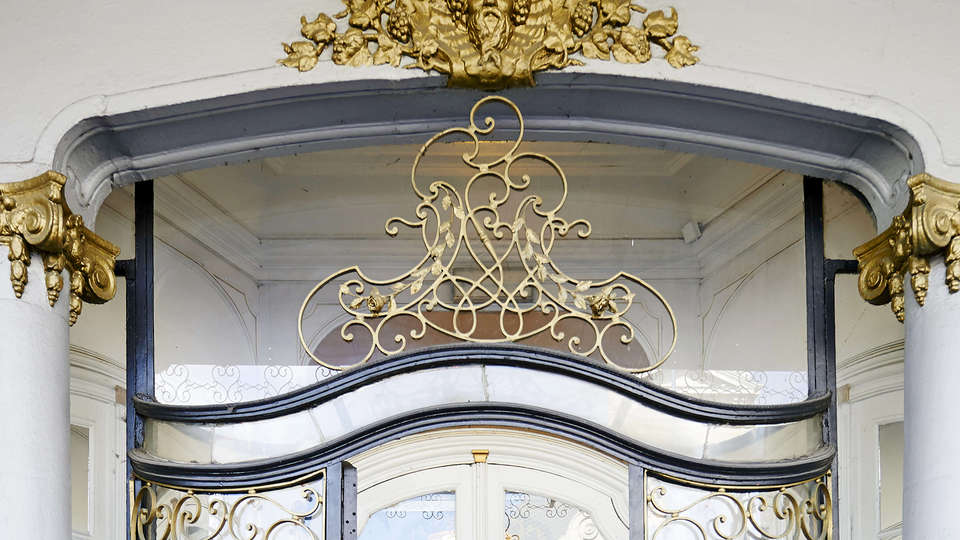 Grand Hotel de Flandre - EDIT_Exterior1.jpg