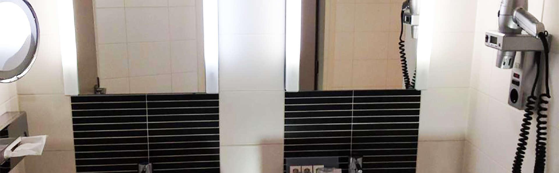 Best Western Hotel Baars - EDIT_bath.jpg